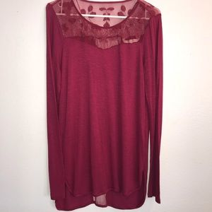 Lauren Conrad Sz L wine colored tee w/ lace insets